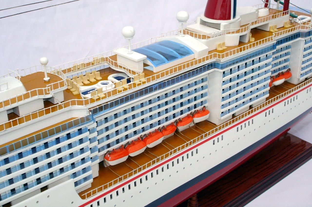 1984-11663-Carnival-MiracleI-model-boat