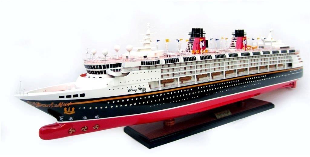 1991-11712-Disney-Wonder-model-ship