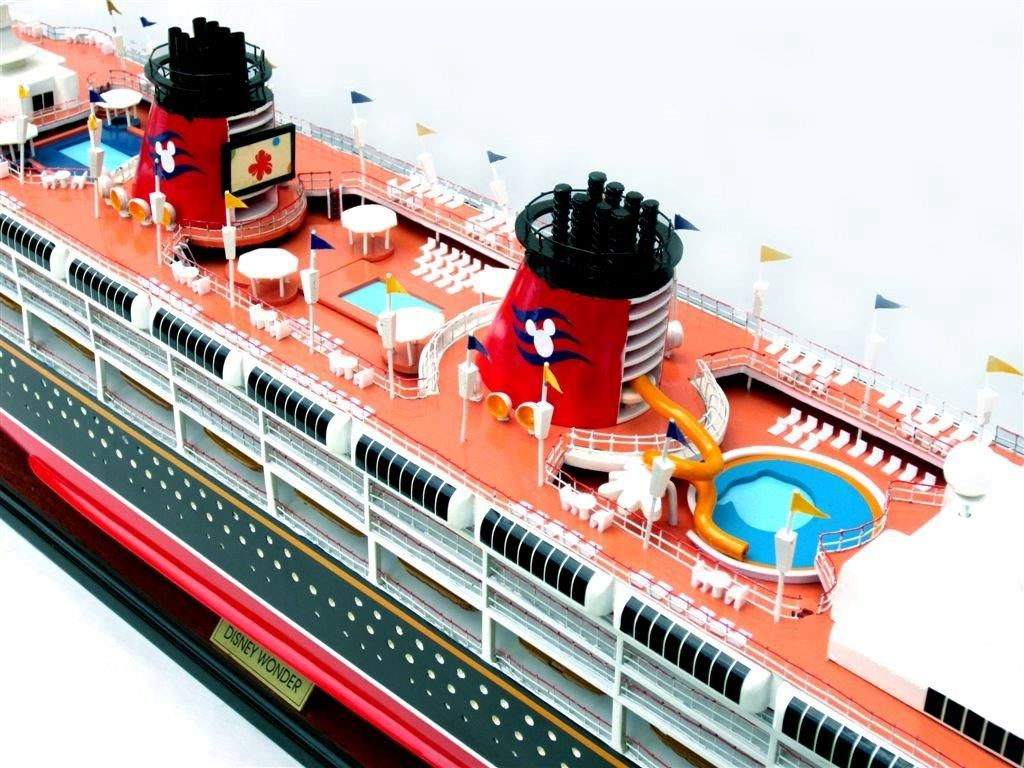 1991-11720-Disney-Wonder-model-ship