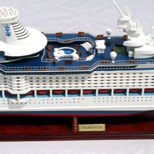 1998-11754-Voyager-of-the-seas-model-boat