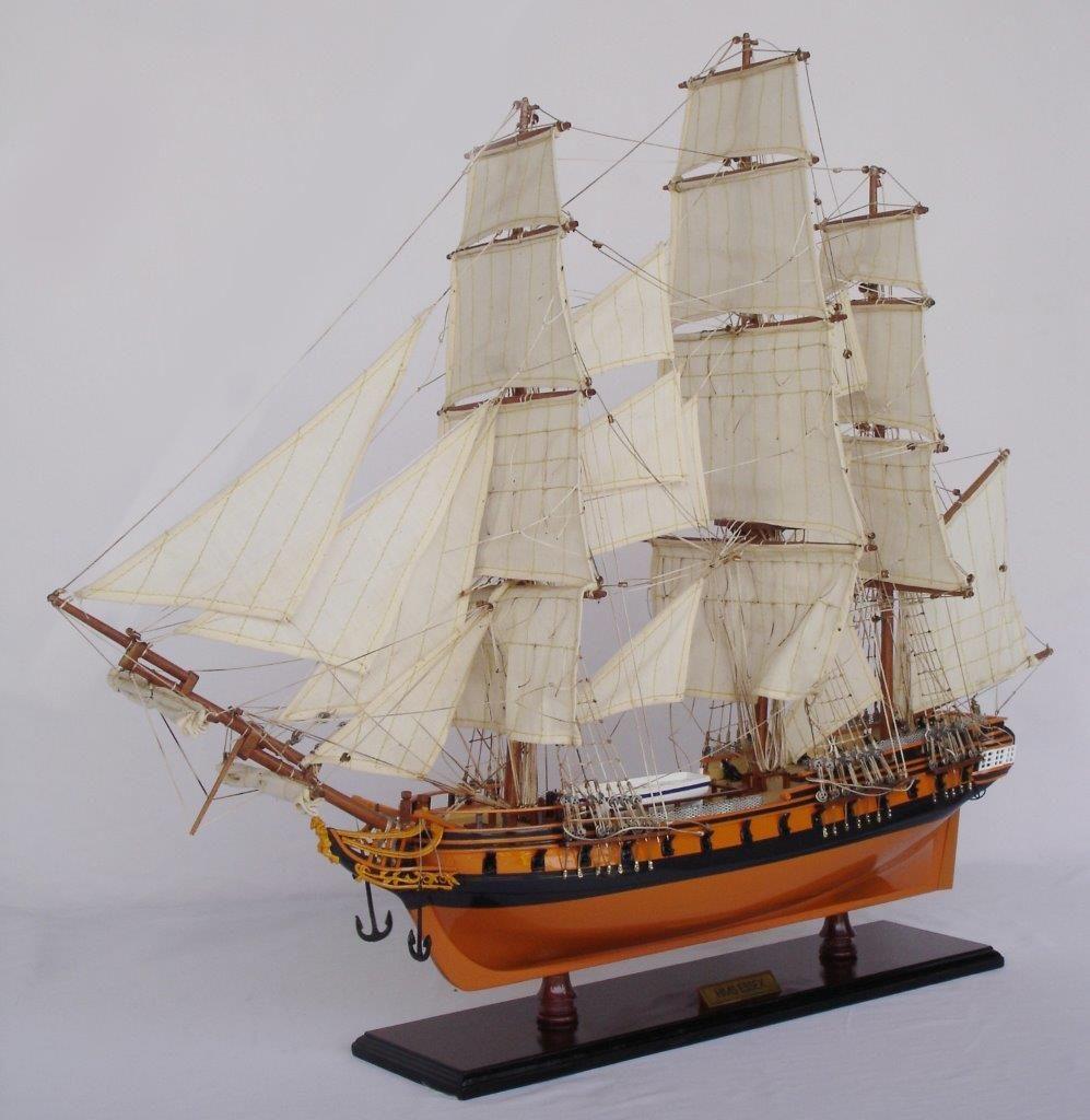 2020-11876-HMS-Essex-Model-Ship