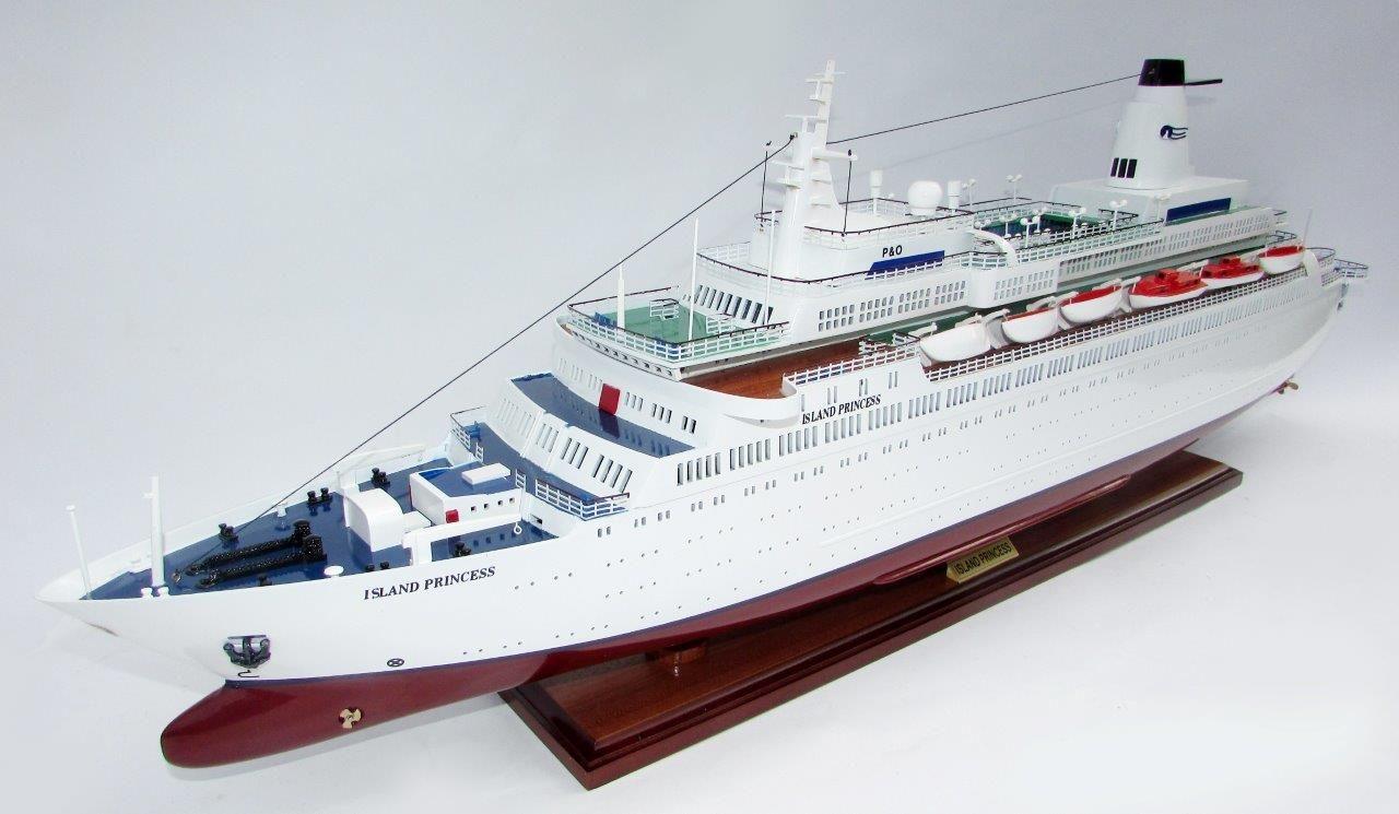 2035-12014-MS-Island-Princess