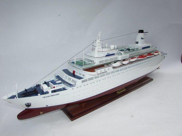 2035-12015-MS-Island-Princess