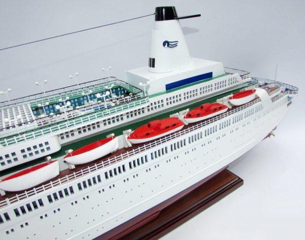 2035-12017-MS-Island-Princess