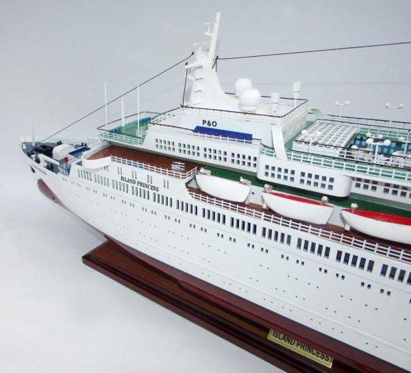 2035-12018-MS-Island-Princess