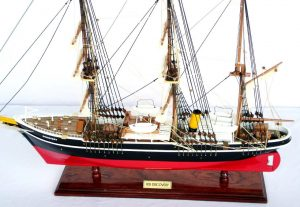 RRS Discovery Ship Model - GN (TS0045P)
