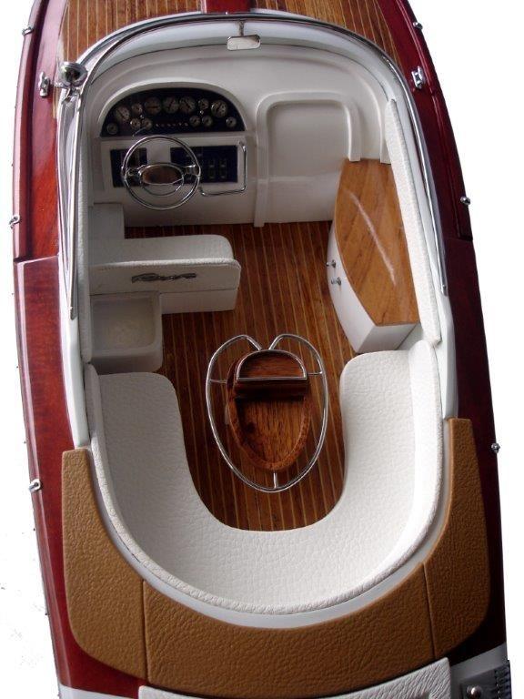 2063-12757-Riva-Aquariva-Gucci-ship-model