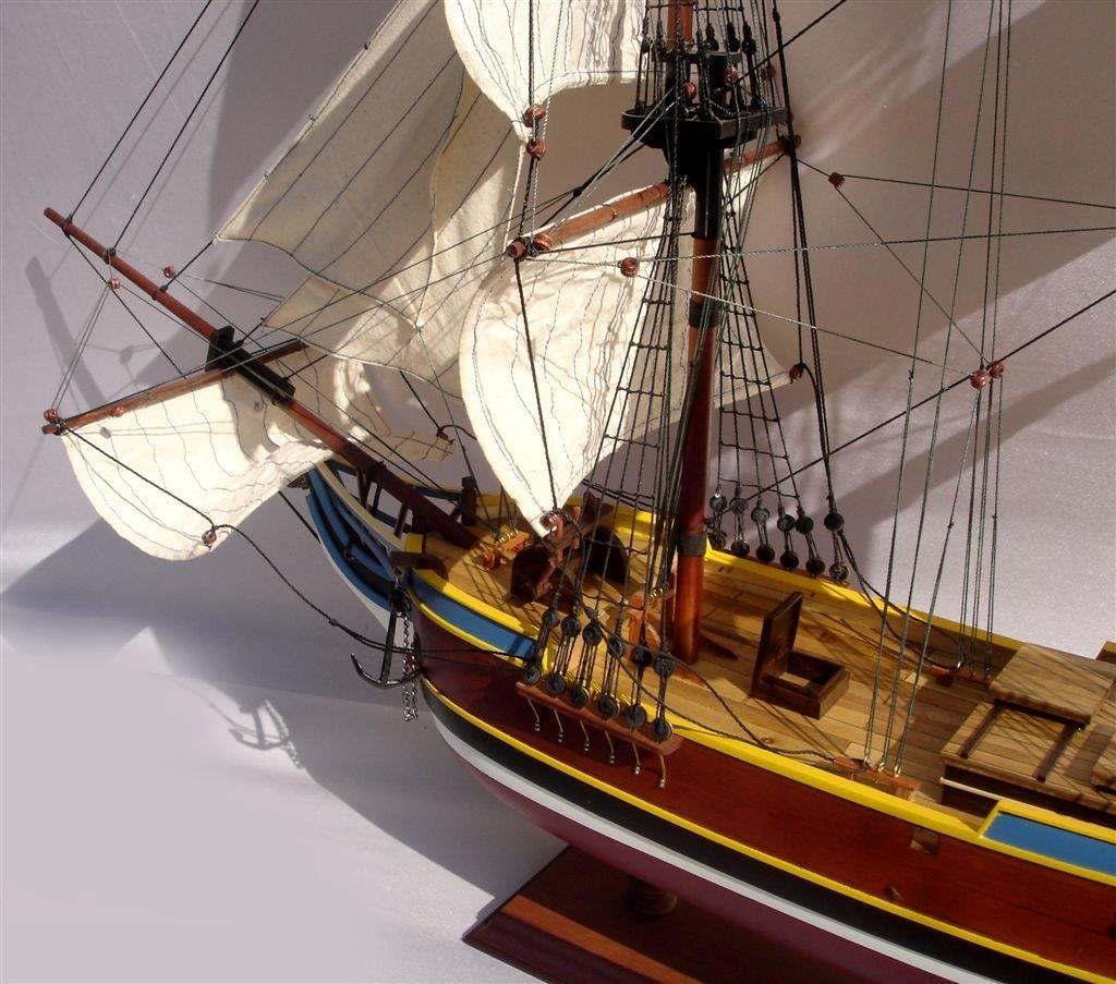 2072-12730-Lady-Washington-Model-Boat