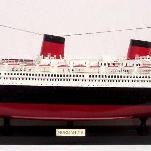 2077-12317-Normandie-Model-Ship