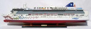 2080-12340-Norwegian-Gem-Ship-Model