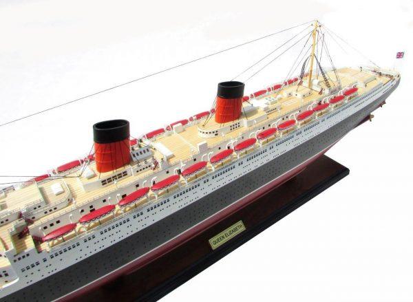 2087-12388-Queen-Elizabeth-Model-Ship