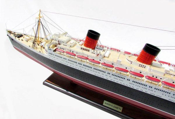 2087-12389-Queen-Elizabeth-Model-Ship