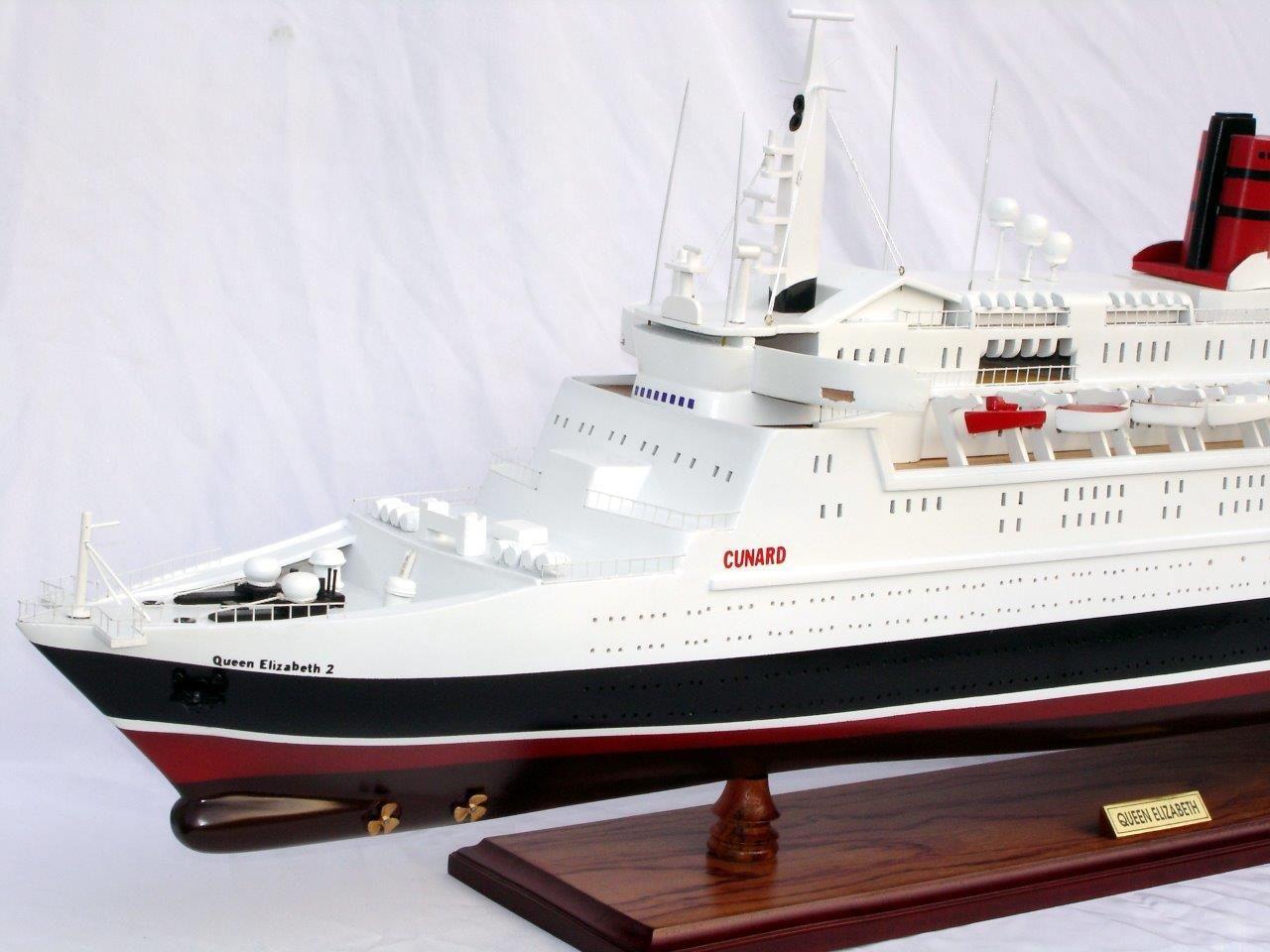 2088-12396-Queen-Elizabeth-2-Ship-Model