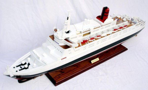 2088-12397-Queen-Elizabeth-2-Ship-Model