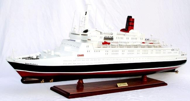 2088-12401-Queen-Elizabeth-2-Ship-Model