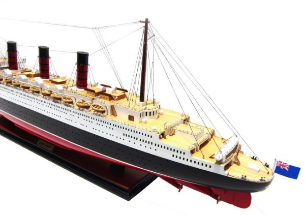 2091-12423-Queen-Mary-Model-Boat