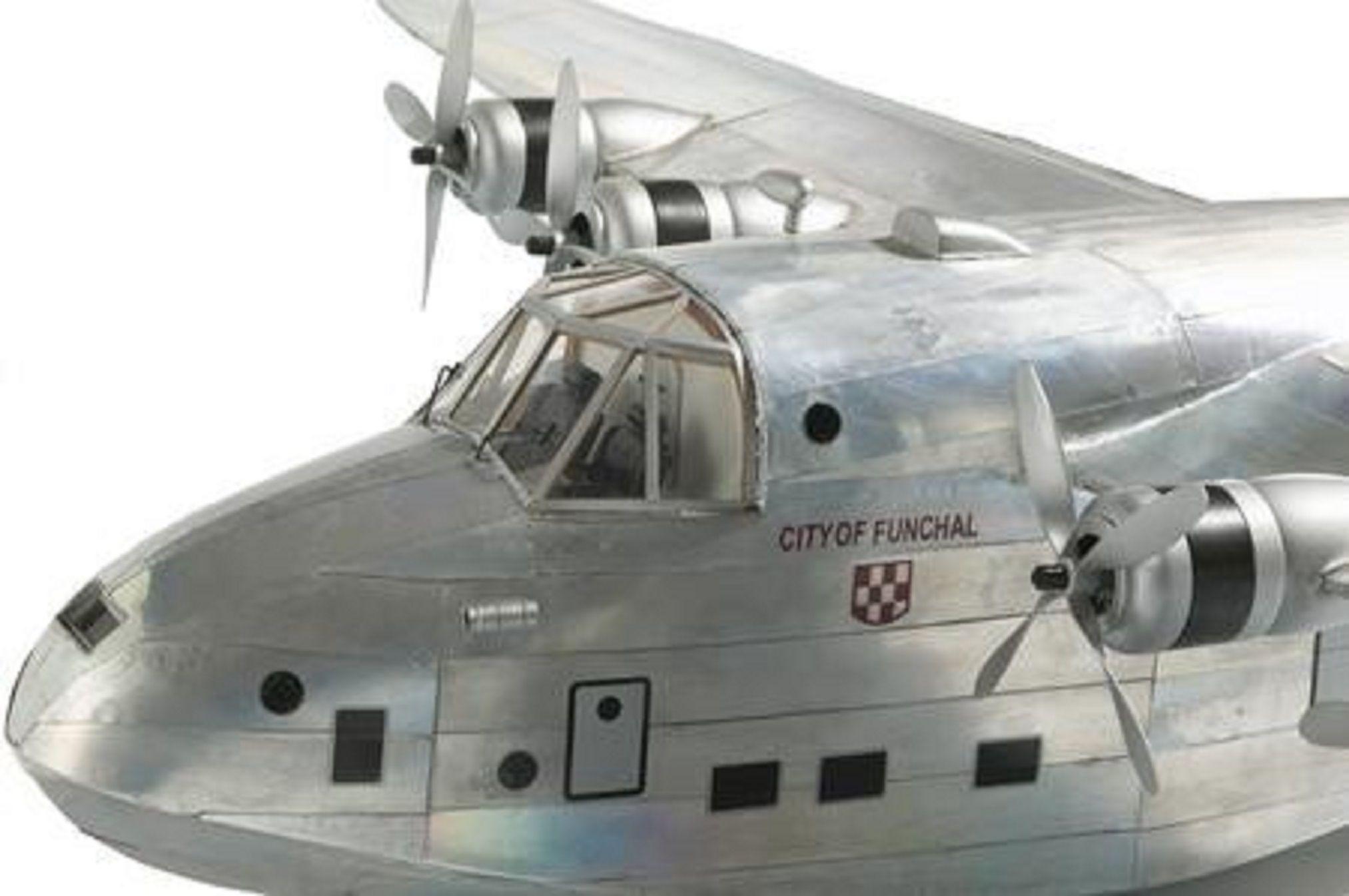 213-6887-Aquila-Airways-Model-Plane-Premier-Range