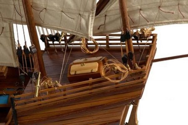 217-7196-Caravel-model-ship-Premier-Range