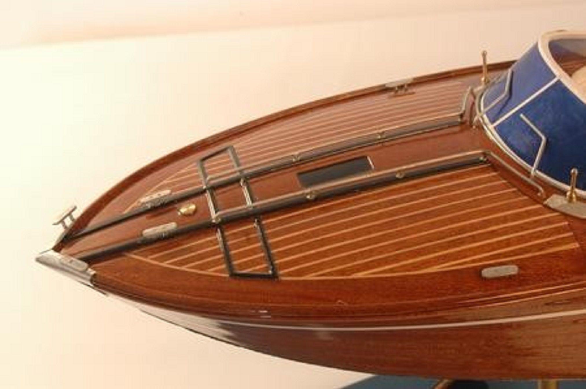 226-7581-Riva-Rama-44-model-boat-Premier-Range