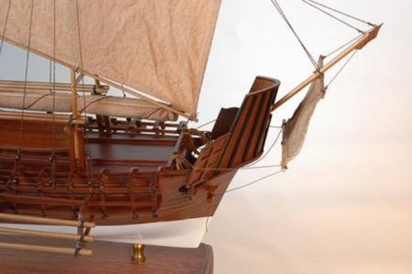 229-6981-Borobudur-model-ship-Premier-Range
