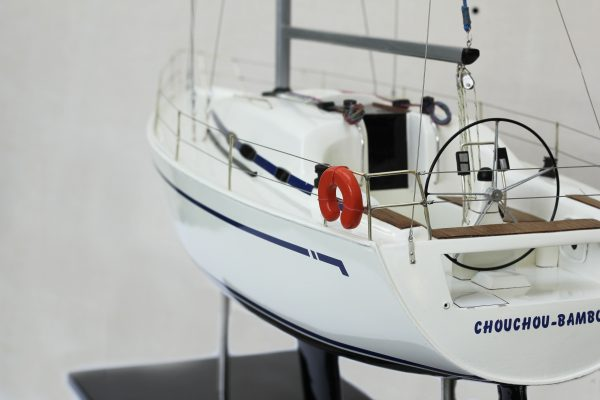 2530-14379-Bavaria-35-Match-Model-Ship