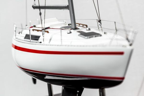 2531-14385-Beneteau-First-30-Model-Ship