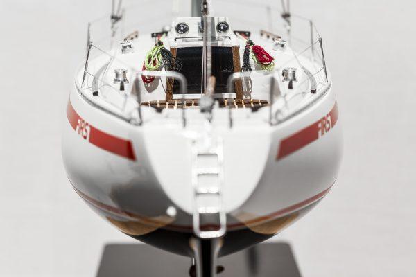 2531-14405-Beneteau-First-30-Model-Yacht-Superior-Range