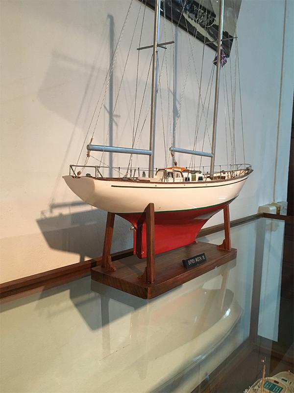 2540-14435-Gipsy-Moth-IV-Model-Ship-Superior-Range