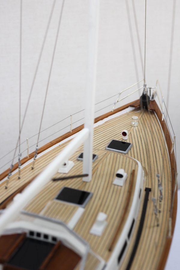 2541-14437-Halberg-Rassy-42-Model-Sailing-Boat-Superior-Range