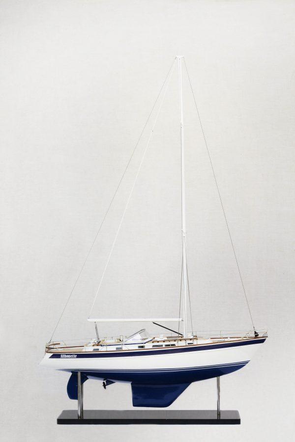 2541-14441-Halberg-Rassy-42-Model-Sailing-Boat-Superior-Range