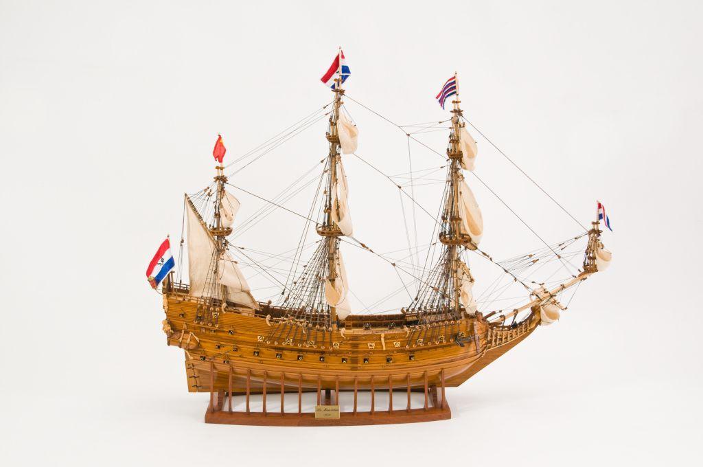 Le Mauritius Wooden Model Ship (Superior Range) - HM