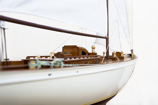 2551-14500-Manitou-Wooden-Model-Yacht-Superior-Range