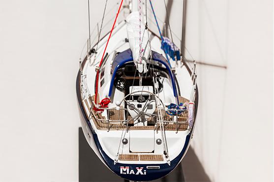 Maxi1050 Model Boat (Superior Range) - HM