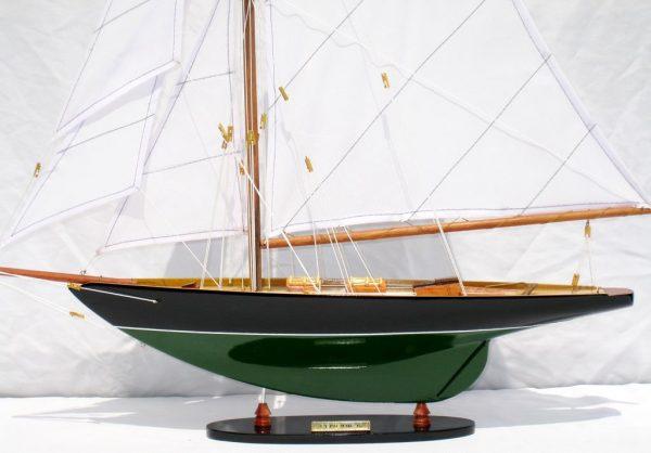 2563-14572-Pen-Duick-Model-Ship
