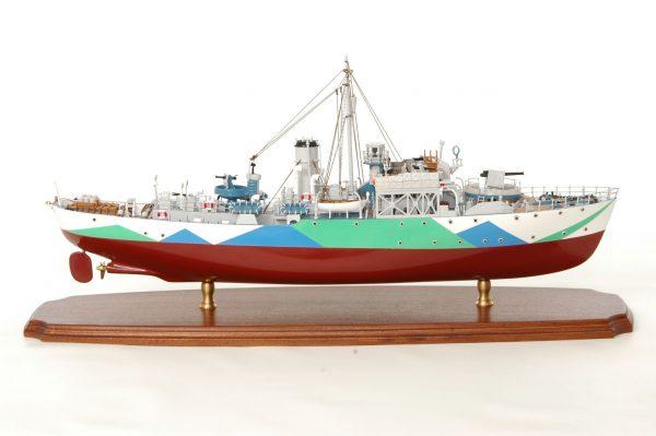 473-8718-Montbretia-Model-War-Ship