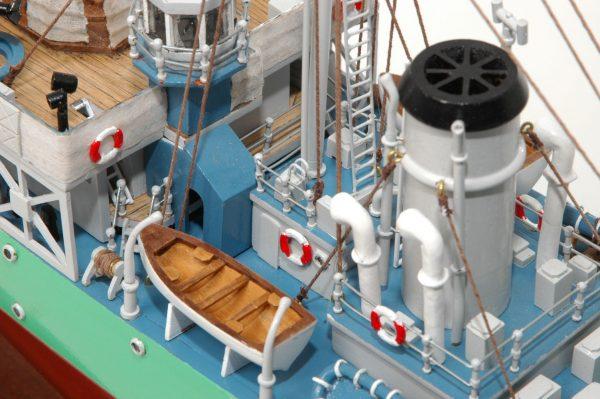 473-8722-Montbretia-Model-War-Ship