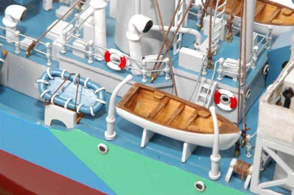 473-8725-Montbretia-Model-War-Ship