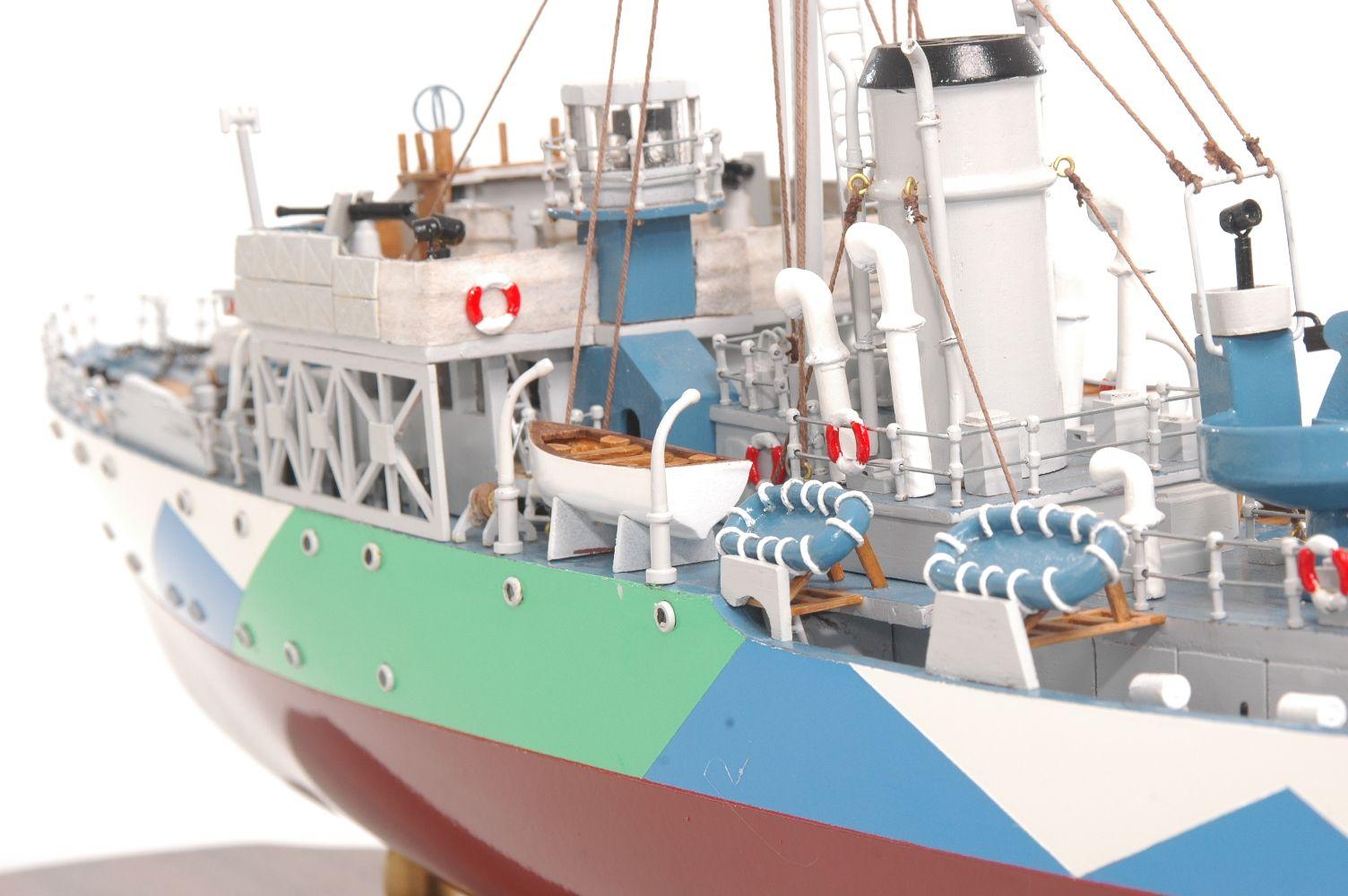 473-8730-Montbretia-Model-War-Ship