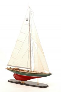 547-8388-Shamrock-Model-Yacht-Superior-Range