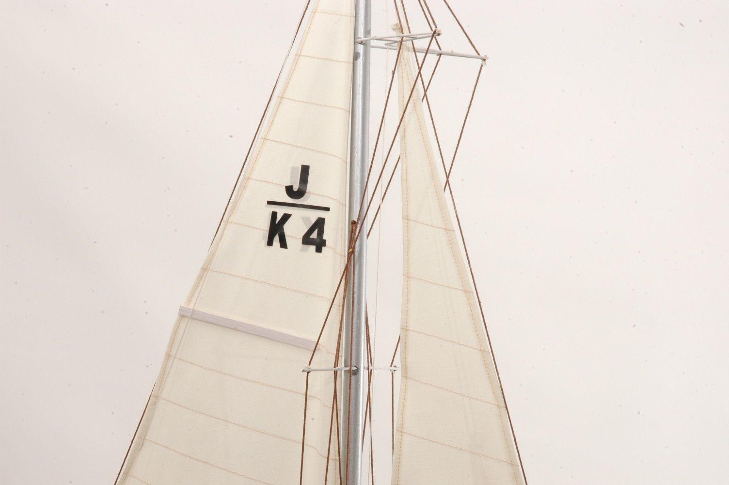 Shamrock Model Yacht (Superior Range) - PSM