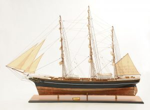 553-8663-Cutty-Sark-model-ship-Premier-Range