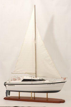 Triple Wai model yacht