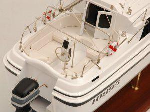 554-5990-Triple-Wai-model-yacht