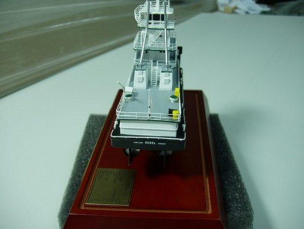 646-7092-Tidewater-Tugboats