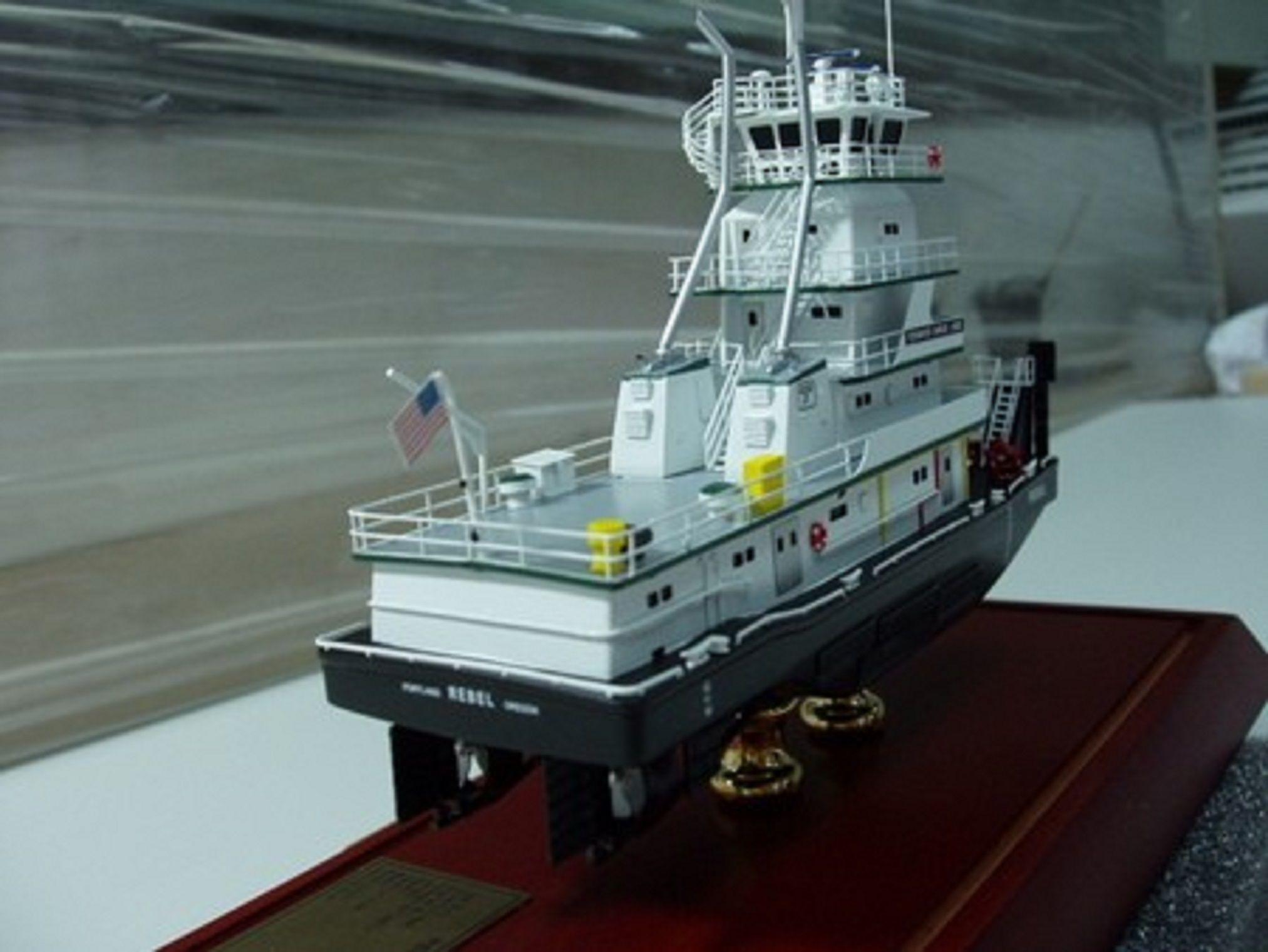 646-7095-Tidewater-Tugboats