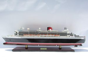 2090-12404-Queen-Mary-2-Wooden-Model-Ship