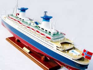 SS Norway (Special Edition) Model Boat - GN (CS0127PSE-100)