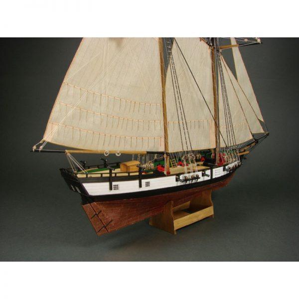 Santa Maria 1492 Wooden Model Ship Kit - Shipyard (ZL003)